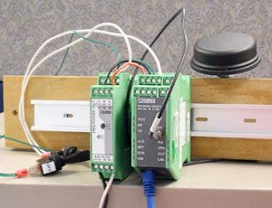 A wired bench sample of the Phoenix Contact cellular modem kit